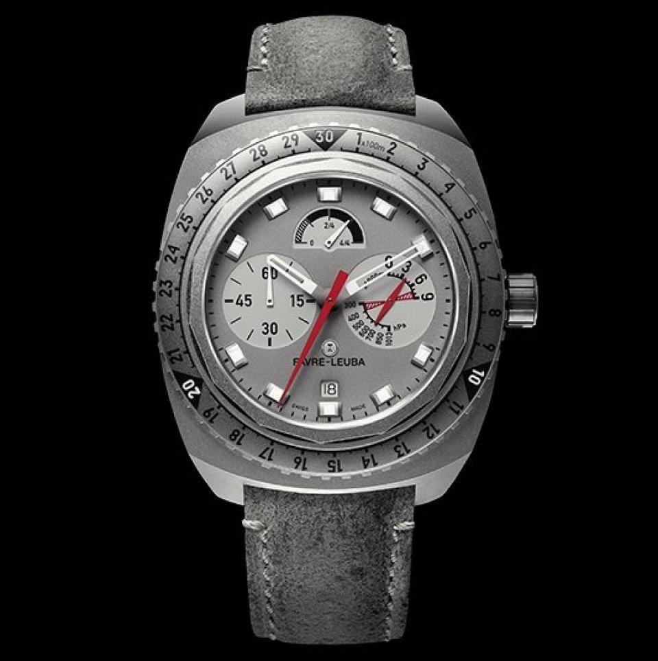 873e0afd1588 写真:南極最高峰ヴィンソンマシフを制覇した「ビバーク 9000」。世界で初めて高度9000mの高度測定が可能な機械式腕時計。