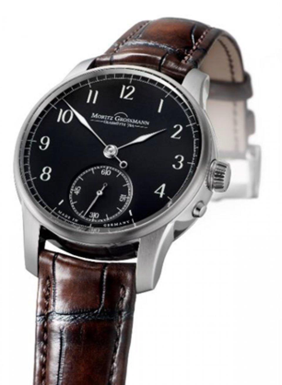 3cddcdf175 2016年11月、ザクセンのグラスヒュッテに拠点を構えるドイツ高級時計ブランドの'モリッツ・グロスマン'は、ファーストモデル「ベヌー」をベースにした日本 限定20本の ...